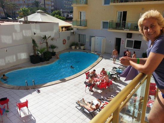 Sun Beach Hotel: En la terraza.