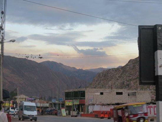 San Agustin Urubamba Hotel: vista desde la puerta del hotel