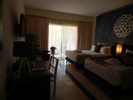 Ocean Maya Royale: room