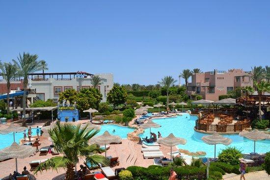 Rehana Sharm Resort: Вид из нашего номера (корпус 3, 2 этаж)