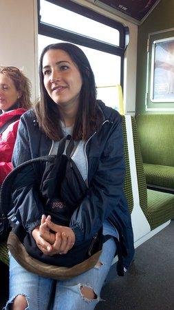 SANDEMANs NEW Dublin Tours: Lara, la guía a la vuelta de la ruta.