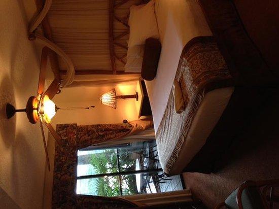 Parkway International Resort: Master bedroom
