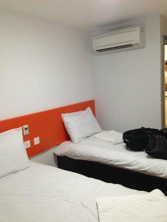 easyHotel Old St / Barbican: Quarto triplo