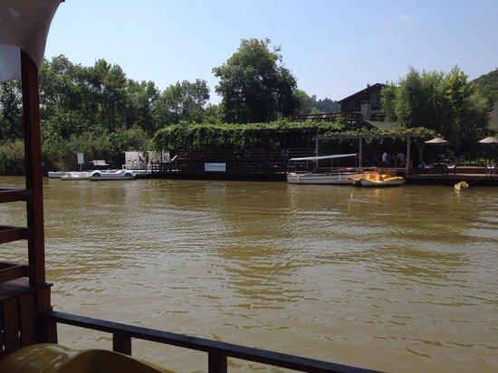 Mints Hotel : Havalar nefrni ile nehir bulanıktı