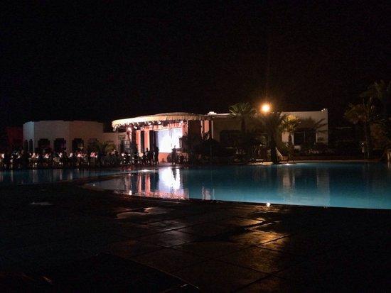 Djerba Sun Club: Bordo piscina aspettando lo spettacolo...