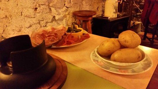 Restaurant le Valentin : affettati e patate per 2 persone