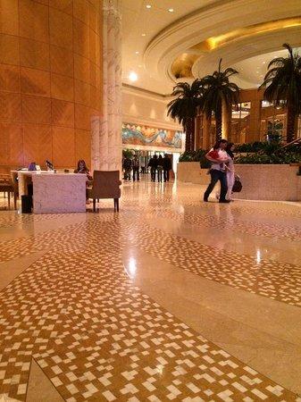Grand Hyatt Dubai: hotel lobby