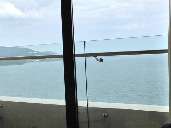 Sheraton Nha Trang Hotel and Spa: Вид из нашего номера