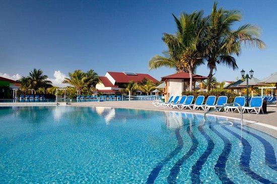 Memories Caribe Beach Resort Hotel