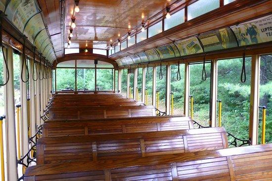 Seashore Trolley Museum : Interior of StreetCar 303, built in 1901 in Philadelphia, PA