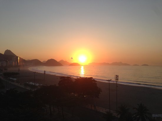 Pestana Rio Atlantica Hotel: Sunrise view from my room