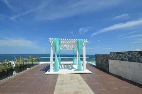 Azul Beach Resort Sensatori Mexico : Great place to get married