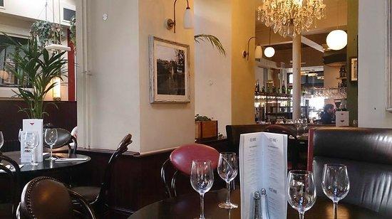 Browns Brasserie & Bar: Restaurant