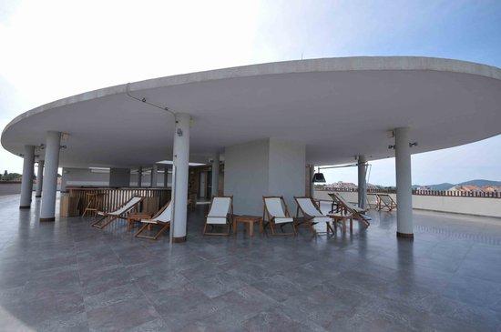 Hotel In: The sun deck