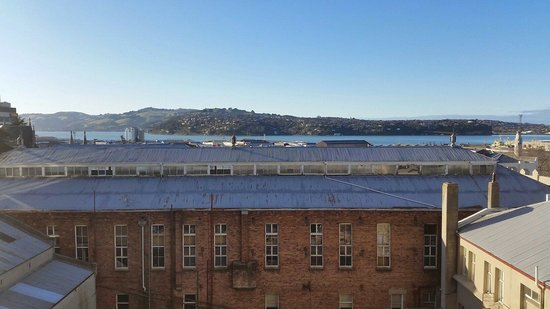 Scenic Hotel Dunedin City: A better view from room 415