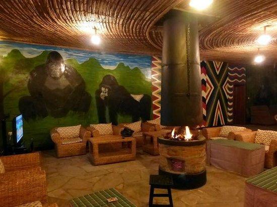 Le Bambou Gorilla Lodge: salotto