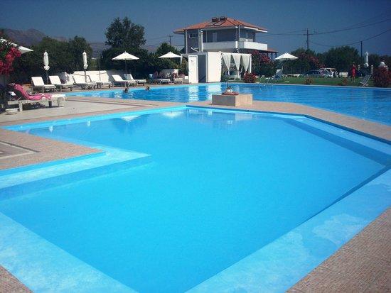 Chryssana Beach Hotel: Κήπος