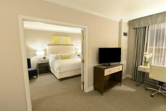 Magnolia Hotel St Louis King Suite