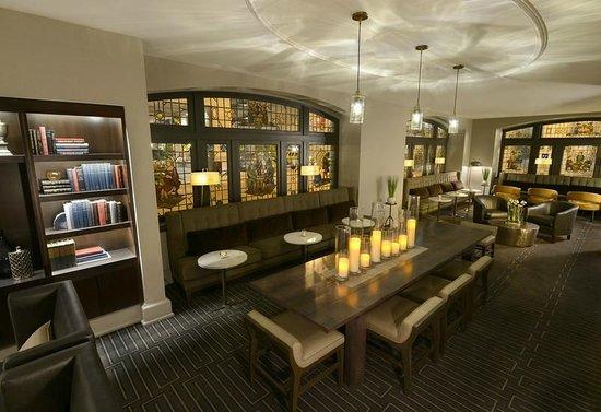 Magnolia Hotel St. Louis: Living Room