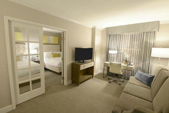 Magnolia Hotel St. Louis: Double Queen Suite