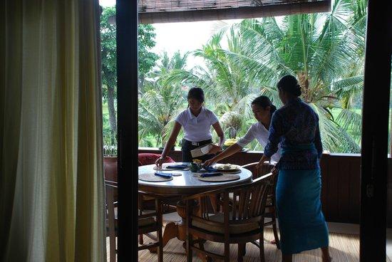 Alam Shanti: Ontbijt wordt gereed gemaakt