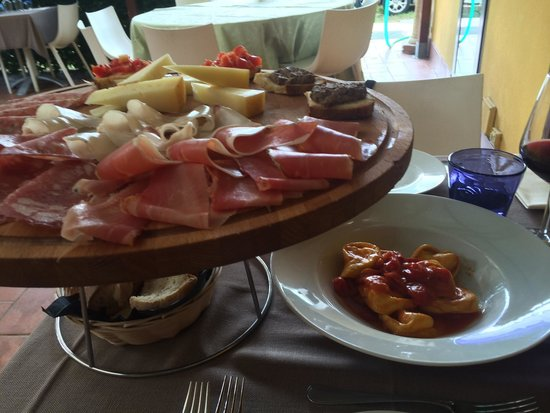 Da Roberto Al Frantoio Della Belluccia : Pasta y embutidos