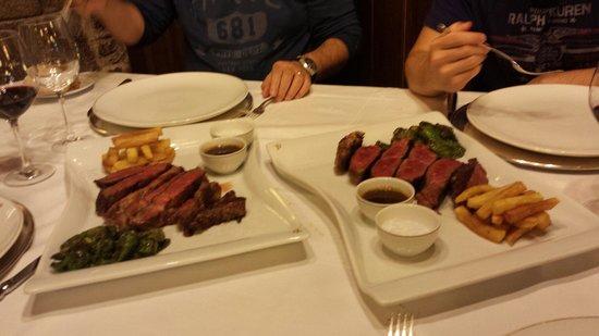 Parador Hostal Dos Reis Catolicos Restaurant: ¡¡¡chuletones!!!