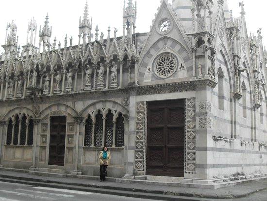 Chiesa di Santa Maria della Spina: Шедевр архитектуры 13 века
