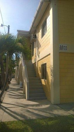 Apart Hotel Villa Nuria: exterior de la habitación
