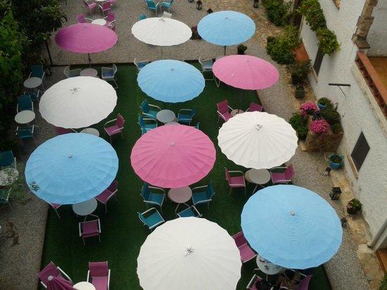 Hostal Horta Rosell : Jardín romántico