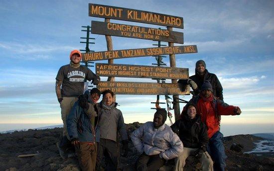 Kilimandscharo-Massiv (Kilimanjaro): Friends at the Summit