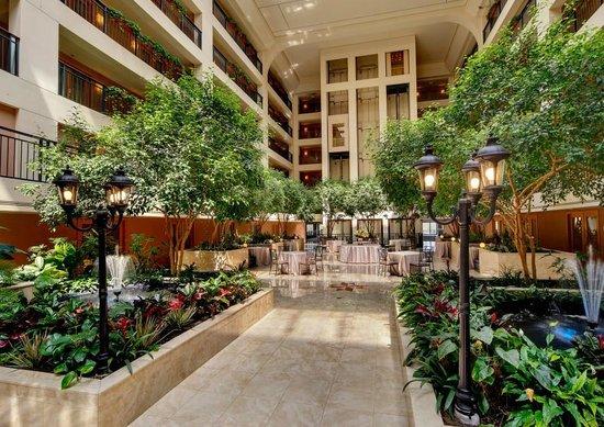 Wyndham Glenview Suites Chicago North : Garden Atrium