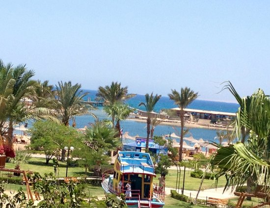 Desert Rose Resort : вид на море с балкона