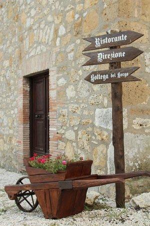 I Segreti del Borgo: Un dettaglio