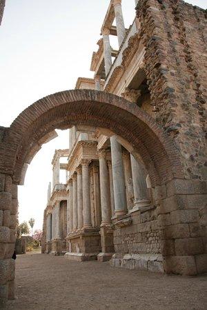 Teatro Romano de Mérida: Entrada al teatro
