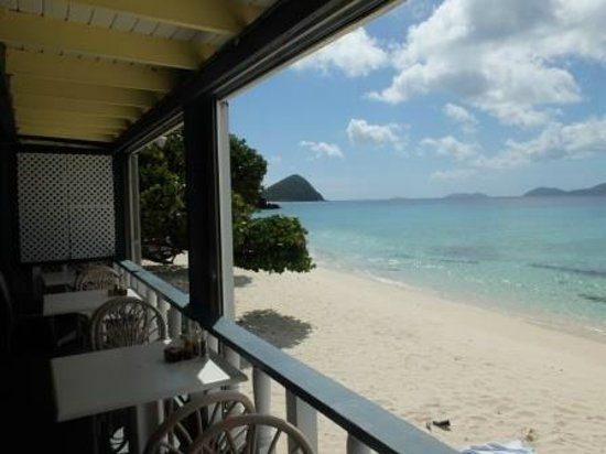 Sebastian's on the Beach: Apple Bay towards Long Bay Beach West, View from Sebastian's Restaurant