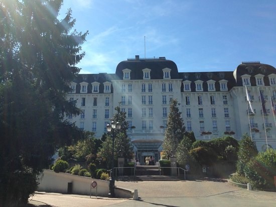 Lac d'Annecy : Imperial Palace - Casino