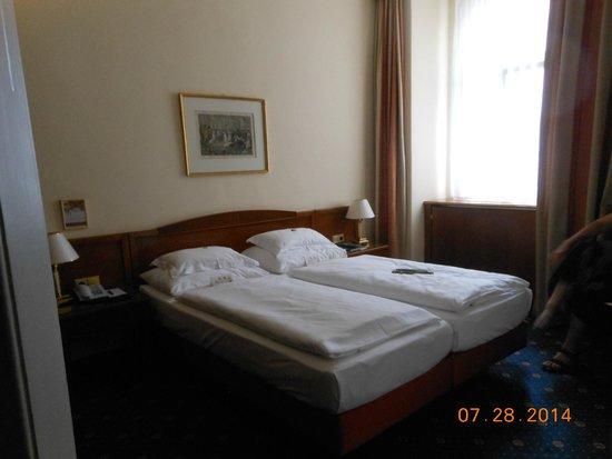 Hotel Stefanie: Room 317