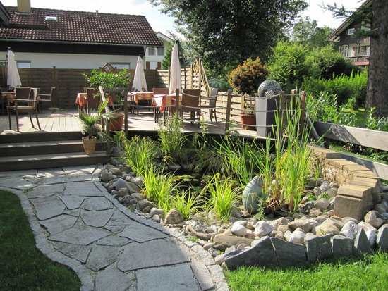 Ferienhotel Luitpold: Terrasse mit Teich