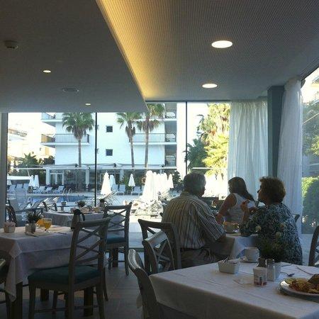 Hotel JS Palma Stay: śniadania