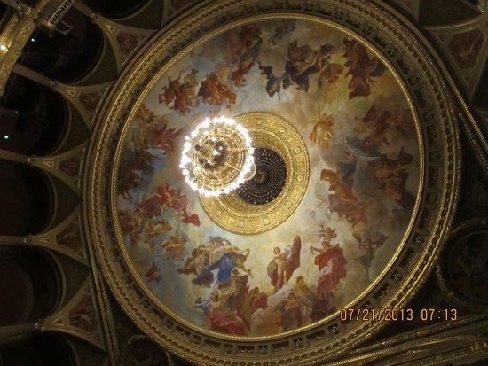 Hungarian State Opera House (Magyar Allami Operahaz) : The wonderful ceiling
