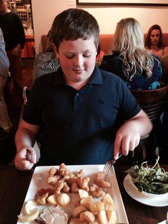 Fishy Fishy Restaurant: Happy child beautiful scampi