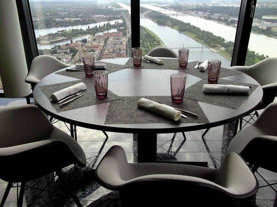Melia Vienna: Ausblick aus 57 Restaurant
