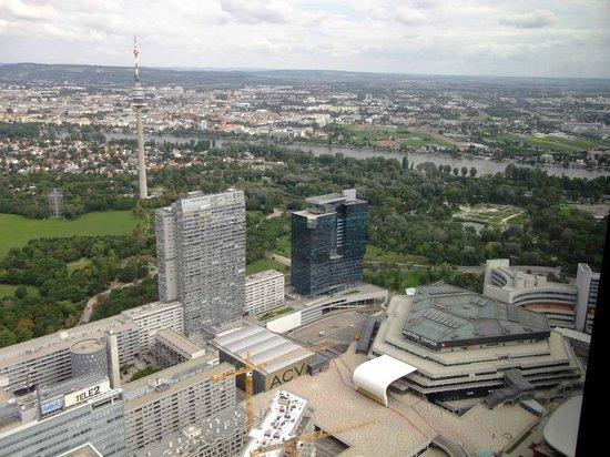 Melia Vienna: Ausblick von 57 Restaurant zum Donauturm