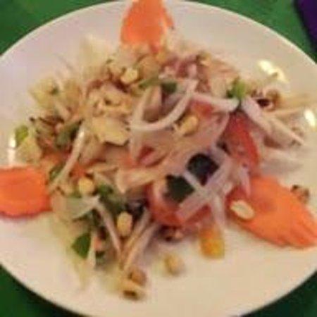 La Cabane, La Cuisine des Filles : Starter chicken salad menu cabana