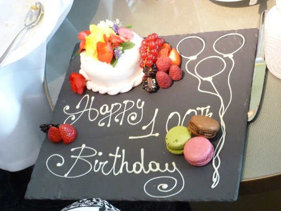 Hilton Manchester Deansgate: Beautiful birthday cake