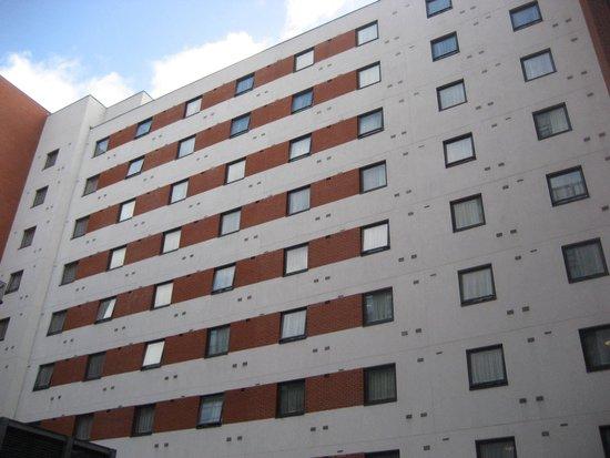 Premier Inn Belfast City Centre (Alfred Street) Hotel : Back of hotel