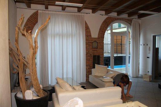 Villa Maggie: family room