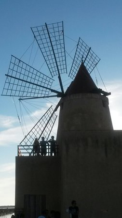 Isola di Mozia (Mothia)/ San Pantaleo : Vecchio mulino Mothia