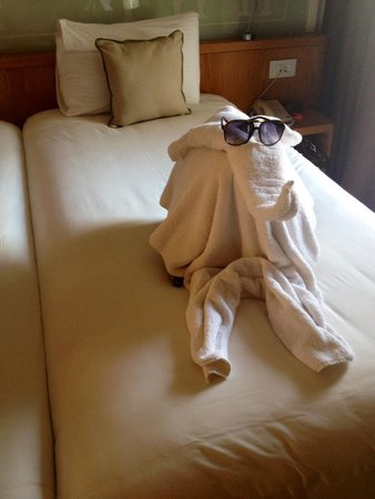 Mercure Hurghada Hotel: The cleaner left us a little surprise every day